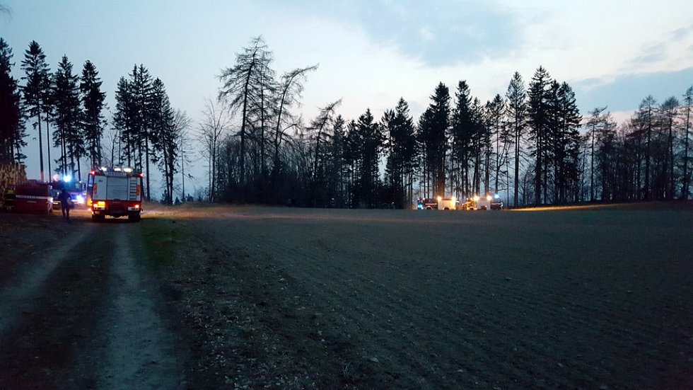 Požár lesa u Zbyslavce