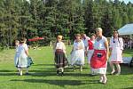 Stínání kohouta má v Načešicích mnohaletou tradici.