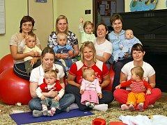 HROŠÍCI. Maminky s dětmi mohou navštěvovat pravidelné cvičení.
