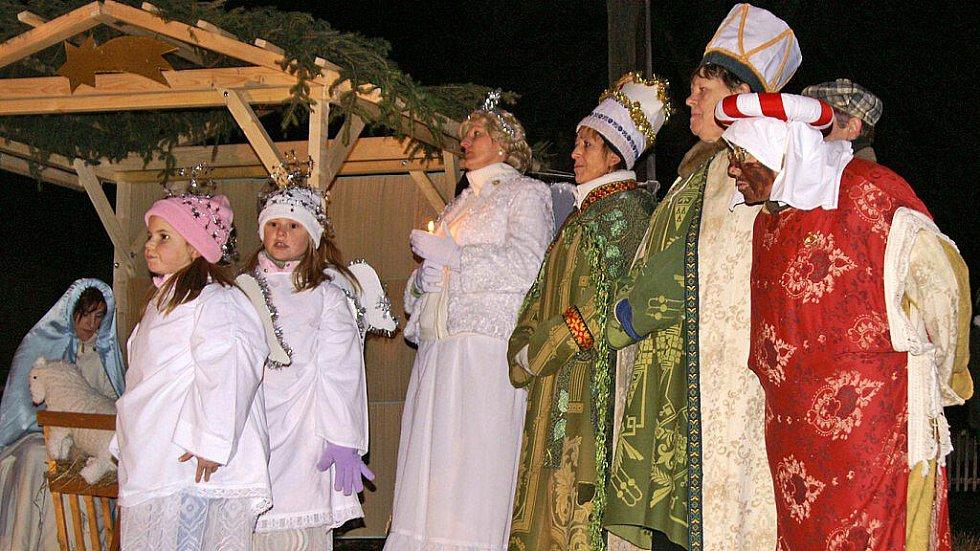 Živé ztvárnění biblického příběhu narození Ježíše Krista v Úhřeticích.