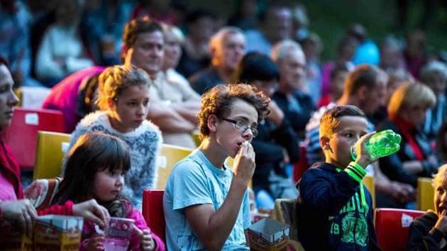 Letní kino v Hrochově Týnci