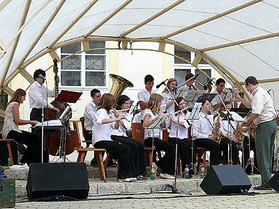 Swingový festival v Chrasti.