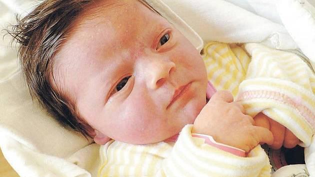 RODASÍ BOUŠOVÁ je jméno, které pro dcerku s mírami 3,95 kilogramu a 52 centimetrů vybrali na sále 25. dubna v 16:08 rodiče Zuzana a Stanislav Boušovi z Heřmanova Městce. Doma mají ještě dvouletého synka Nitaie.