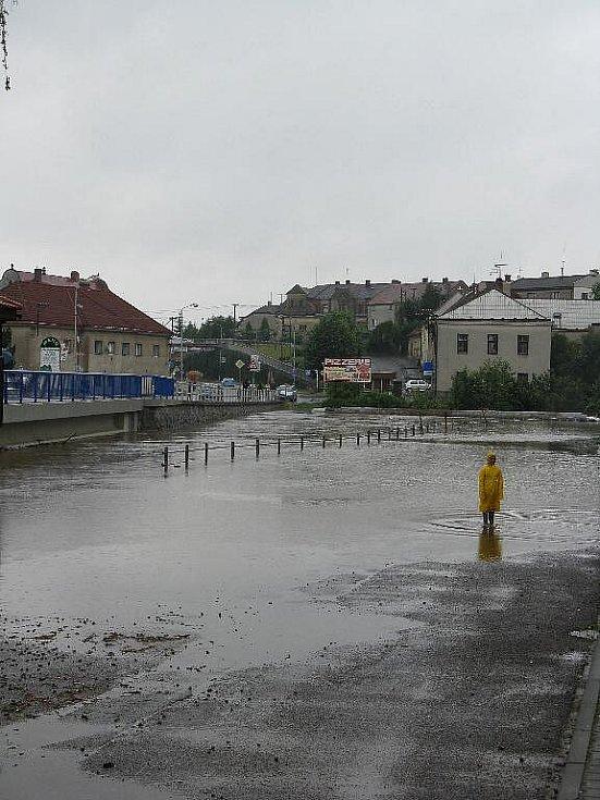 Záplavy v Hrochově Týnci: stav v neděli 18. července ve 13:30.