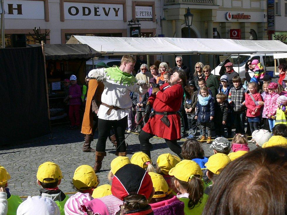 Den Země na Resselově náměstí v Chrudimi.