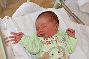 PAVEL BÁLEK (3,38 kg a 50 cm) se poprvé představil rodičům Janě a Pavlovi ze Škrovádu a 3,5leté sestřičce Anežce 1.8. v17:42.