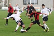 V závěrečném utkání podzimu porazil MFK Chrudim na domácím hřišti Horní Měcholupy 2:1.