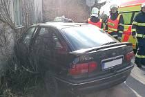 Dopravní nehoda na křižovatce Tři Bubny.