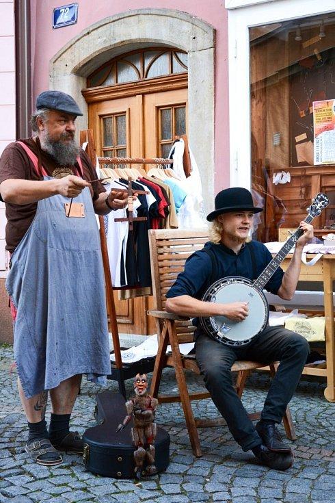Pouliční festival a Muzeum loutkářských kultur.