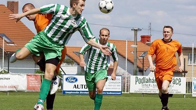 Z fotbalového utkání III. třídy SK Chrudim B - Krouna 2:1.