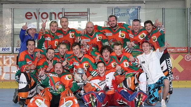 Extraligový nováček v in line hokeji, tým IHC Tuněchody.