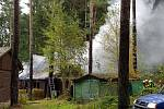 V Kraskově hořela chata