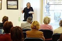 Přednáškový cyklus o Alfonsu Muchovi zaznamenal značný zájem veřejnosti.