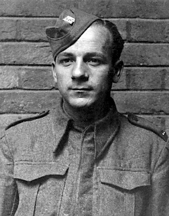 Rotný Jaroslav Švarc (11. 5. 1914 - 18. 6. 1942).