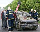 V Chrasti došlo k tragédii. Řidič tu srazil a usmrtil ženu s malým dítětem.