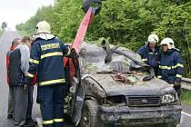 Nehoda u Kladna na Hlinecku si vyžádala dva lidské životy.