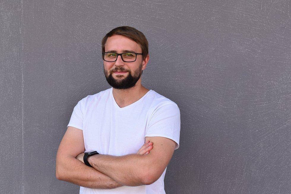 Být mezi zvídavými lidmi je inspirující, říká mladý vědec Jan Hrabovský.