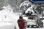 PÁTEK. Tak vypadala sněhová nadílka v Hlinsku první den kalamity