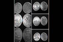 Ražené pamětní mince s motivy hradu Košumberk, Chlumku a lužské obory.