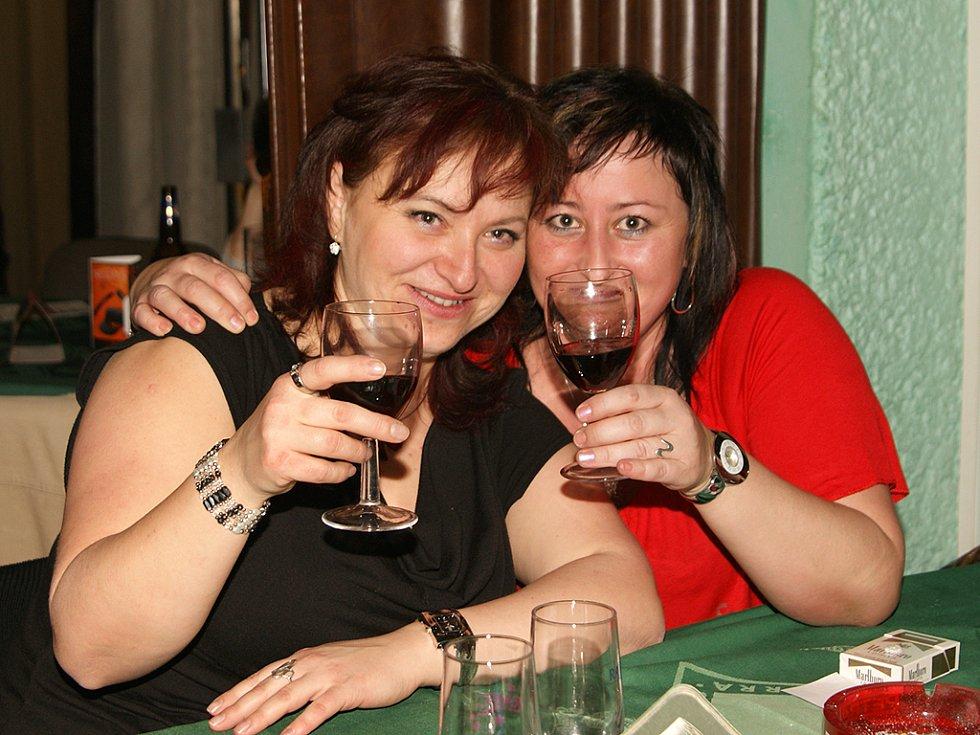 Kapela Wječná žízeň oslavila v Kleopatře narozeniny.