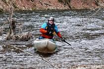 Ronovští vodáci spluli řeku Chrudimku.
