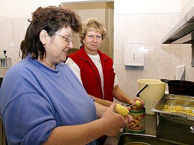 Slavnostní otevření nové kuchyně a jídelny chrudimského gymnázia.