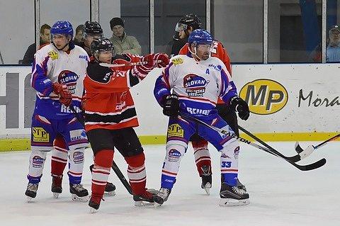 Bramborová medaile nebylo to,  po čem tým chrudimských hokejistů toužil. Přesto se dá o letošní sezóně hovořit jako o vydařené, i když se Chrudimští loučí se sezónou porážkou.