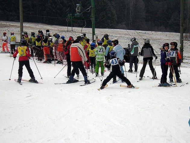 Na sjezdovce v Hluboké u Hlinska se konal tradiční Přebor mikroegionu Hlinecko v lyžování.