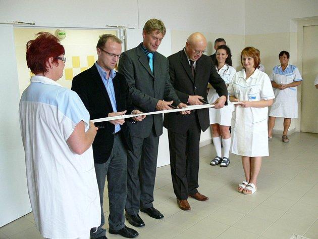 V chrudimské nemocnici slavnostně otevřeli modernizovanou centrální sterilizaci.