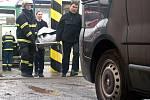 Po srážce vlaku s lokomotivou v Moravanech zemřel strojvedoucí.