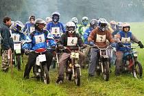 V Prachovicích se konal již 14. ročník závodů malých motocyků Fichtl Cup.