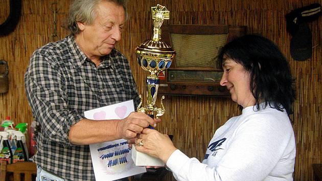 V městecké Roubence se uskutečnil turnaj v mariáši a pétanque za účasti hráčů z celé republiky.