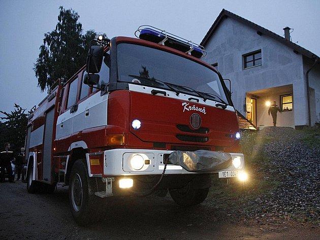 Hasiči vyjížděli k požáru v hlinecké Vinohradské ulici, šlo však jen o planý poplach.