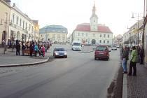 Na demonstraci na podporu tzv. Holešovské výzvy ve čtvrtek v Hlinsku podle odhadu jednoho z účastníků přišlo přes sto lidí.