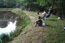 Rybářskému spolku v Travné se posvícenská soutěž na zdejším rybníku vydařila.                                                                                                                                                Foto a text: Ladislav Bláha