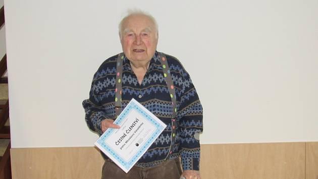 MIROSLAV Veselý získal čestné členství.