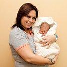 KAREL ZNAMENÁČEK (50 cm a 3,2 kg) je od 14.01. od 21:24 jméno prvního miminka Ilony a Karla ze Sedlece.