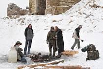 Nádvoří hradu Lichnice se i letos při Zimním stanování proměnilo v malou stanovou osadu.