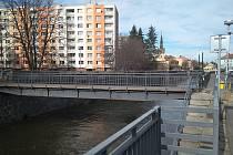 Lávka v Úzké ulici bude nejprve demontována. Až hotový projekt určí, zda dojde k její opravě na břehu řeky nebo na jiném, odloučeném pracovišti.