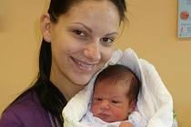MAX URBAN. Kristýna a Petr Urbanovi z Chrudimi se stali poprvé rodiči 14. ledna ve 3:29, kdy s mírami 3,43 kg a 49 cm jejich Max vykoukl na svět.