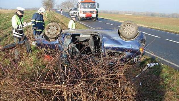 V sobotu 20. listopadu byli dva lidé zraněni při nehodě dvou automobilů na silnici mezi Zaječicemi a Chrastí.