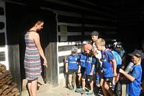 Turistický kemp láká děti na proslulé památky východočeského regionu.