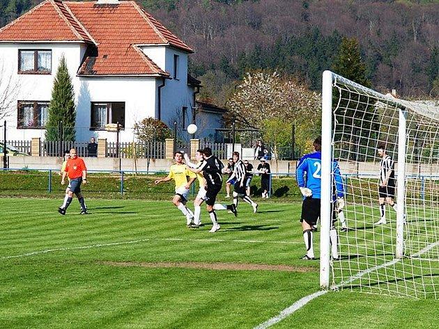 DERBY BEZ VÍTĚZE. Utkání I. A třídy Třemošnice - SK Chrudim skončilo remízou 1:1.