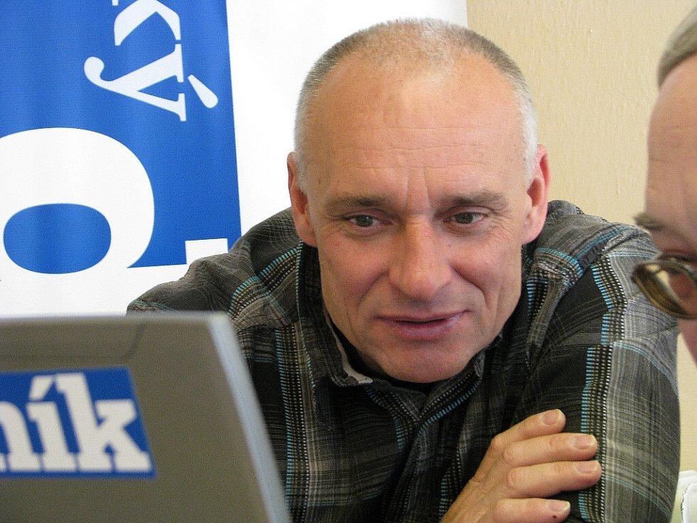 Hlavním tématem on-line rozhovoru s Josefem Macháčkem bylo jeho páté vítězství v Rallye Dakar.