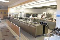 TECHNIKA SAMA nic nezmůže, to zručné kuchařky z heřmanoměstecké školy samy velmi dobře vědí.