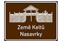 Nová tabule zve turisty do nasavrcké Země Keltů