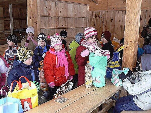 Krounští školáci se byli podívat do Záchranné stanice pro živočichy v Pasíčkách.