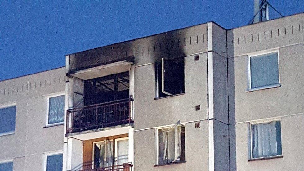 Hasiči zasahovali u požáru bytu vSeči.