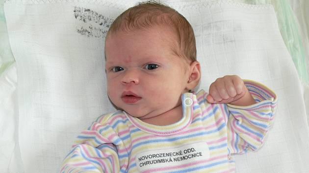 ELIŠKA KMONÍČKOVÁ. Z prvorozené dcery se radují Pavla a Tomáš Kmoníčkovi z Pardubic. Na svět přišla 1.9. v 10:25 s váhou 2,99 kg.