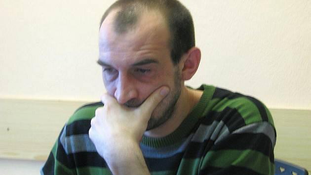 Poslanec Parlamentu ČR Jan Čechlovský odpovídá on-line na dotazy čtenářů Chrudimského deníku.